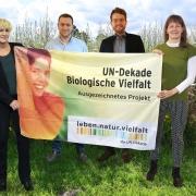 Bunte Biomasse erhält UN Dekade Auszeichnung durch Beate Jessel